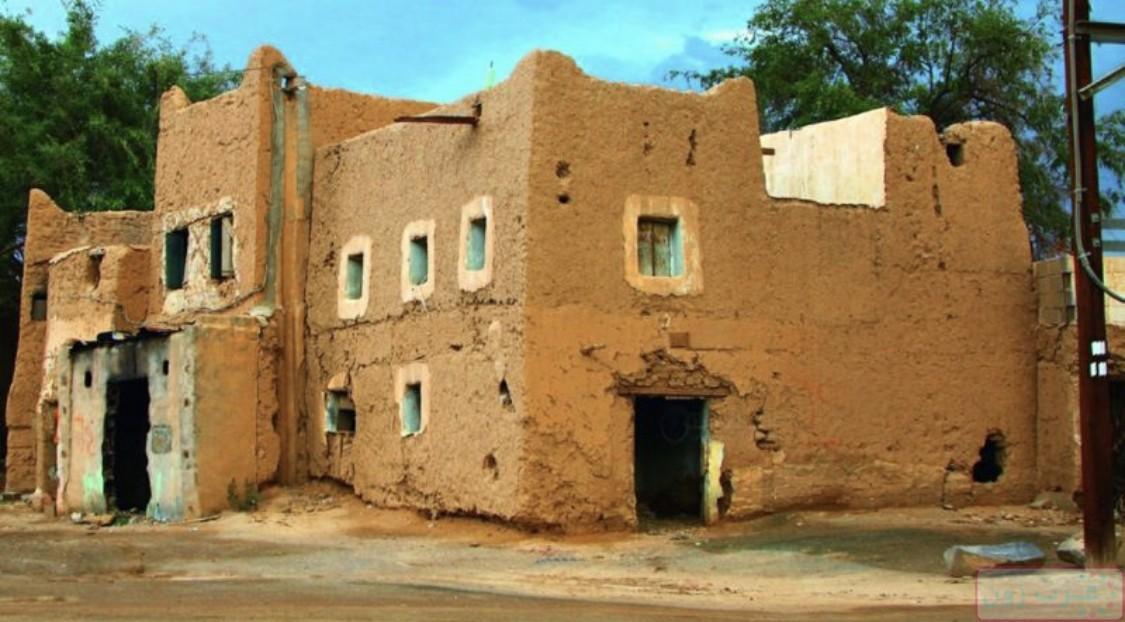 بيت قديم للبيع